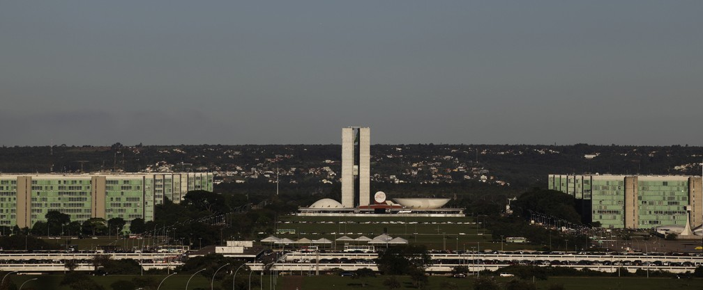 Esplanada dos Ministérios com o Congresso Nacional ao fundo — Foto: REUTERS/Ricardo Moraes