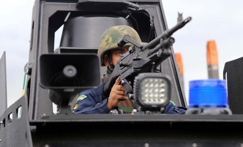 'Mangangá' pode ser equipada com metralhadoras;  lancha está operação no Porto de Santos, SP — Foto: José Claudio Pimentel/G1