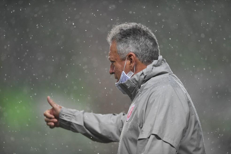 Abel Braga, técnico do Inter, no jogo contra o América-MG — Foto: Ricardo Duarte/Divulgação Inter