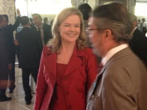 Gleisi Hoffmann chega para a cerimônia de posse de Dilma (Foto: Renan Ramalho / G1)