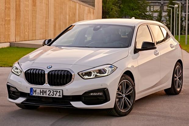 BMW 118i abandonou a tração traseira para adotar a dianteira (Foto: Divulgação)