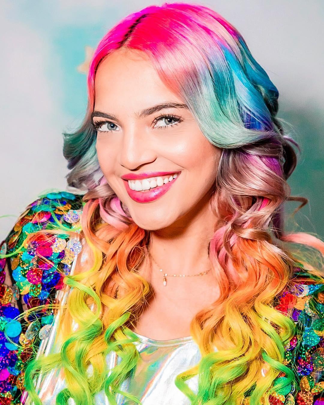 O canal Hi Gorgeous, da brasileira Anna Layza, bateu o recorde de maior transmissão ao vivo da história do Youtube (Foto: Reprodução / Instagram)