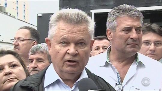 Udo Döhler (PMDB) é reeleito prefeito de Joinville