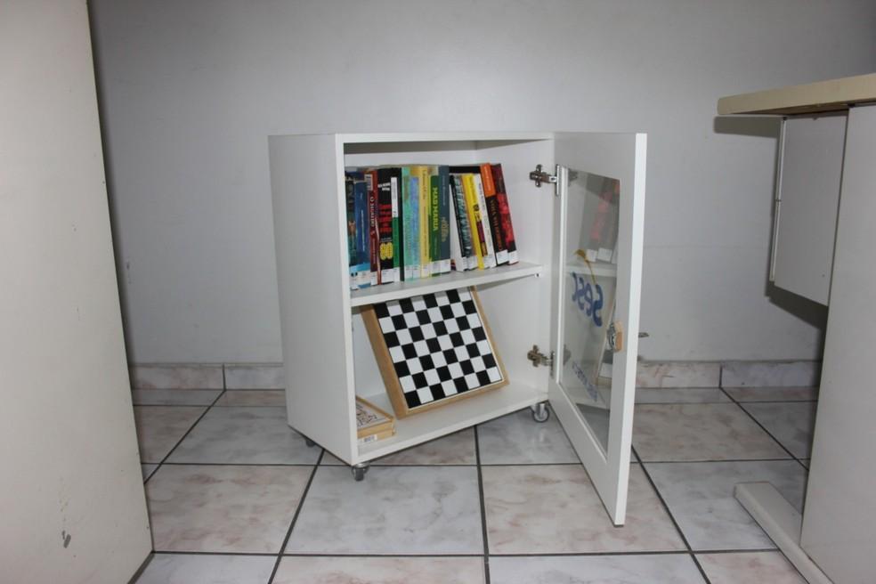 Biblioteca ambulante do Sesc faz empréstimo de livros para empresas alagoanas  — Foto: Ascom/Sesc