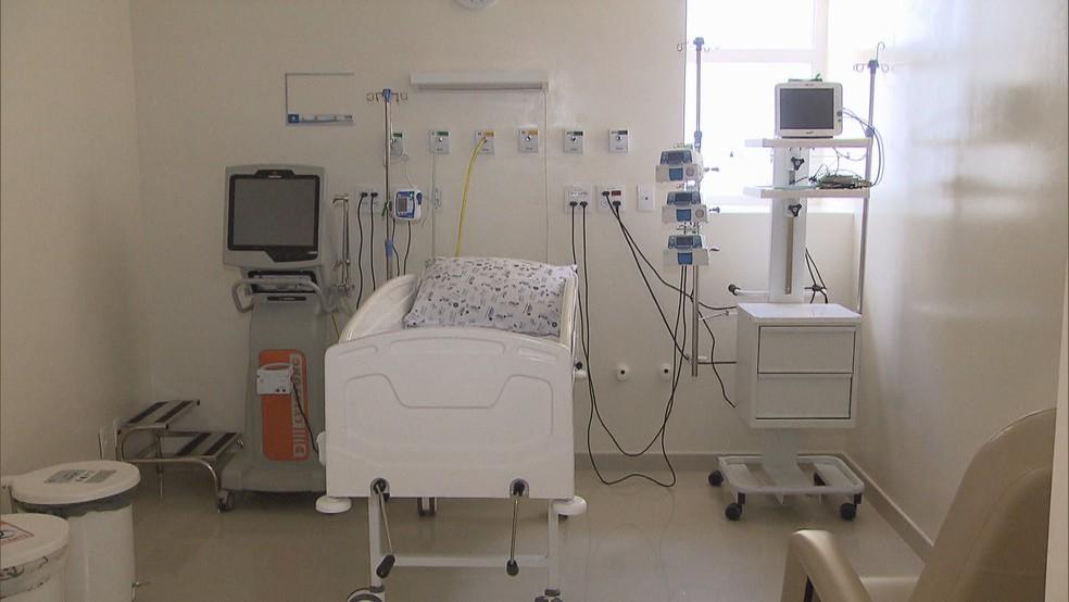 Leito de UTI em hospital público do Distrito Federal  — Foto: TV Globo/Reprodução