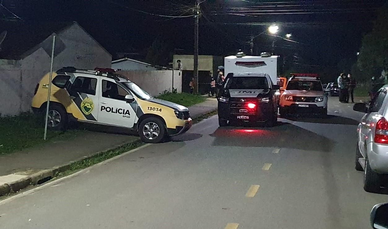 Homem vira réu por matar a facadas mulher e enteado, em Piraquara