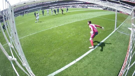 Quatro jogos, quatro gols: Hernanes brilha em campo e vira conselheiro no São Paulo