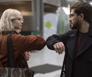 Kit Harington e Lucy Boynton em 'Modern love'   David Cleary/Amazon Prime Video