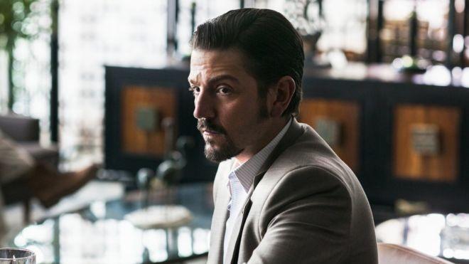 """Diego Luna interpreta Miguel Ángel Félix Gallardo, o """"chefe dos chefes"""" do narcotráfico mexicano (Foto: Divulgação/Netflix)"""
