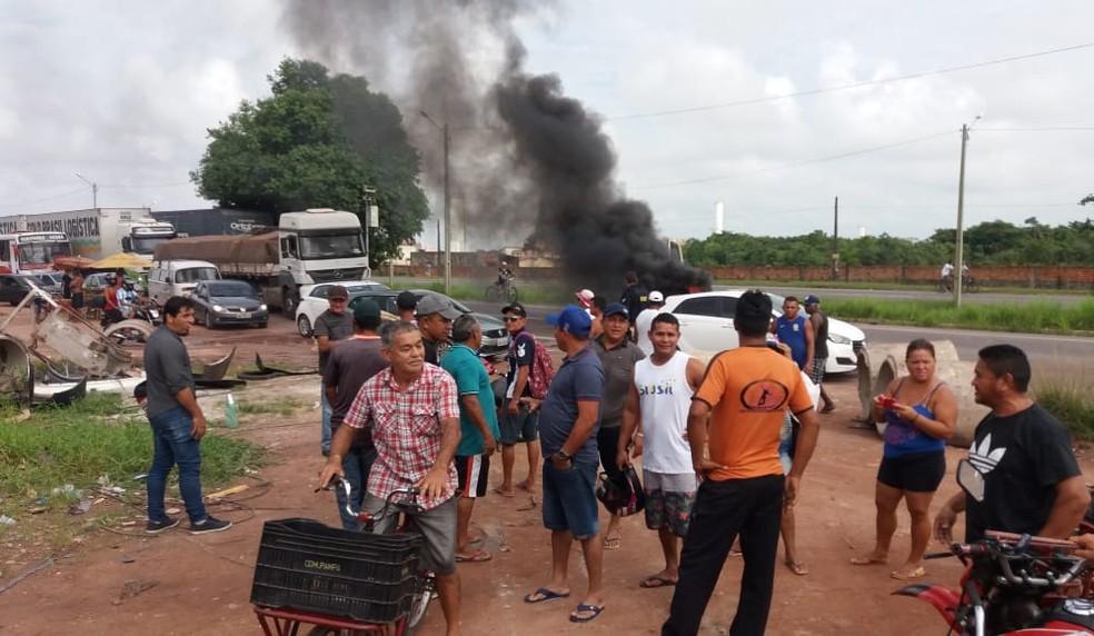 -  Manifestantes interditaram a BR-316 na manhã deste domingo  9 .  Foto: Divulgação/ PRF