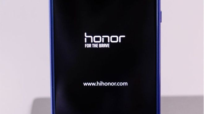 A Honor efetua quase todas as suas vendas pela internet (Foto: GETTY IMAGES/via BBC News Brasil)