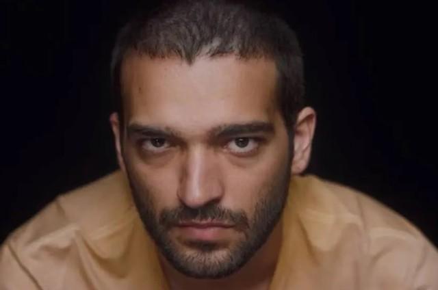 Humberto Carrão, o Sandro de 'Amor de mãe' (Foto: Reprodução)