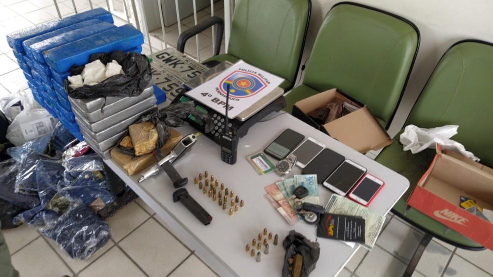 Material apreendido pela Polícia Militar — Foto: 4º BPM/Divulgação