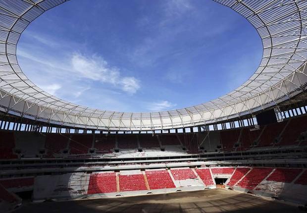 Construção do estádio Mané Garrincha, em Brasília: o local foi uma das arenas da Copa do Mundo (Foto: Ueslei Marcelino/Reuters)
