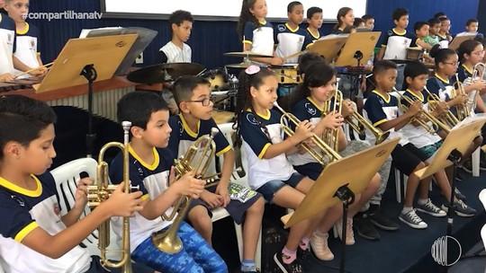 'Compartilha' visita ao Projeto Pequenos Músicos realizado na Escola Municipal Mário Portes