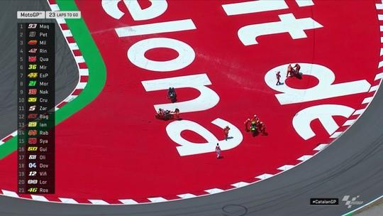 """Em Barcelona, """"strike"""" na segunda volta garante mais uma vitória de Marc Marquez na MotoGP"""