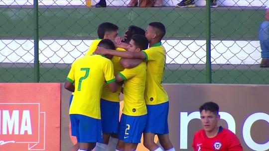 Gol do Brasil! Reinier rouba a bola e abre o placar, aos 4' do 2º Tempo