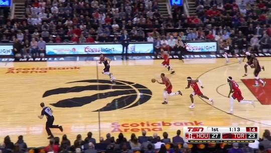 Harden conta com ajuda de coadjuvantes, Rockets seguram os Raptors e vencem no Canadá