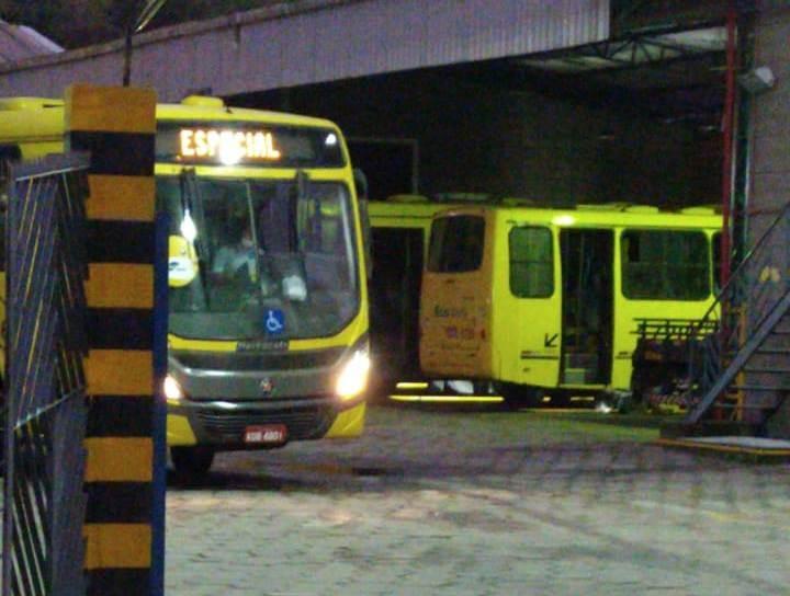 Justiça volta atrás e Ecobus retoma operação do transporte em São Sebastião