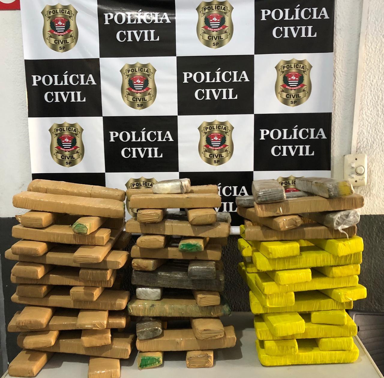 Polícia apreende mais de 70 kg de maconha durante operação em Guarujá, SP