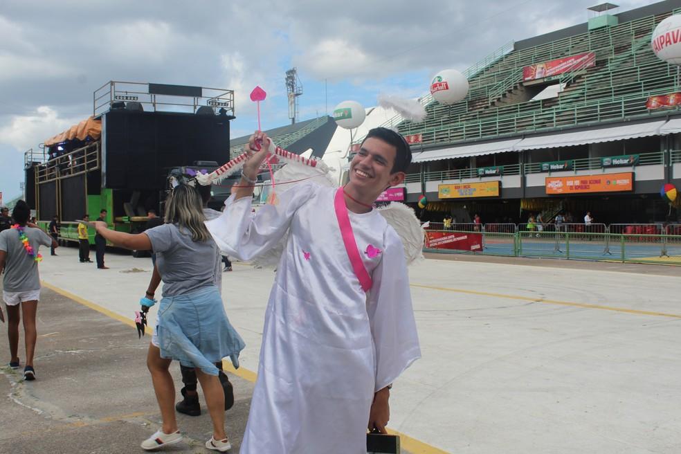 Folião apostou na fantasia de cupido no Galo de Manaus — Foto: Indiara Bessa/G1 AM