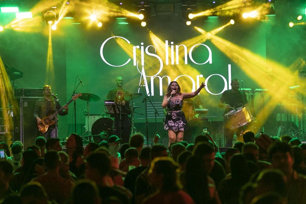 Cristina Amaral se apresentou na Sala de Reboco, no São João da Capitá — Foto: Charles Johnson/Divulgação