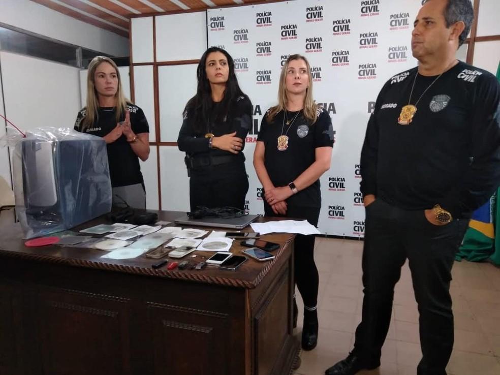 -  As delegadas Sheila, Ione e Ângela junto com o chefe do 4º Departamento, o delegado Carlos  Foto: Polícia Civil/Divulgação