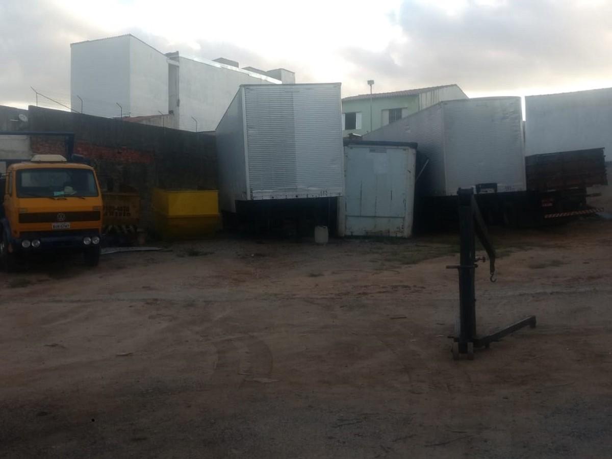 Dupla é presa suspeita de operar desmanche ilegal de caminhões em Sorocaba - G1