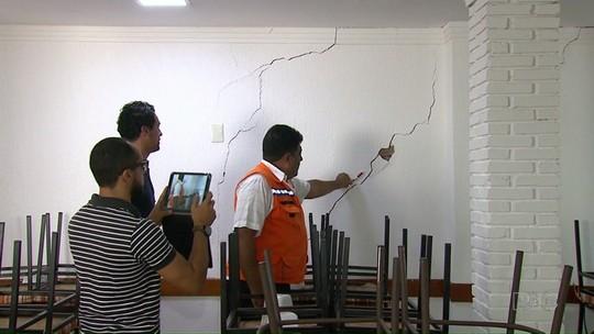 Vazamento de água causa a interdição  de prédios comerciais em Maringá