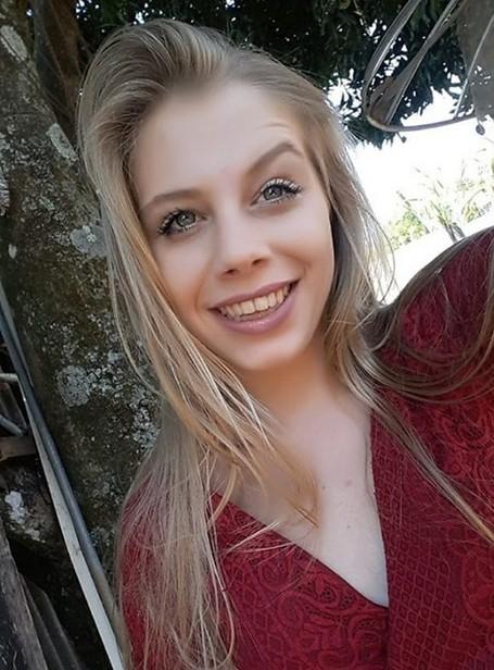 Jovem que morreu em explosão ao tentar acender churrasqueira é enterrada no interior de SP - Notícias - Plantão Diário