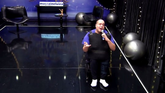 'Show dos Famosos': Tiago Abravanel usou carrinho adaptado para homenagear Nelson Ned