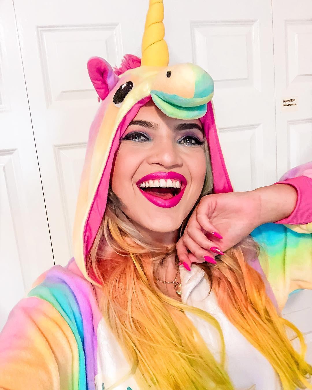Nascida em Belo Horizonte, Minas Gerais, Anna Layza conta que o canal no YouTube era para ser uma brincadeira (Foto: Reprodução / Instagram)