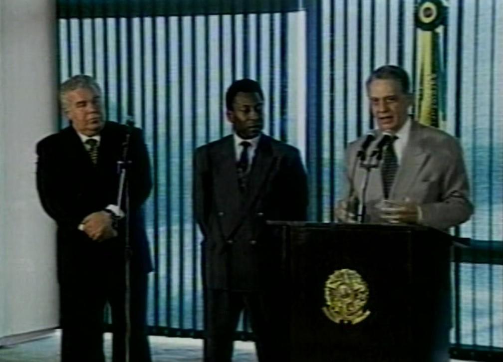 Em 1996, Lerner participou do lançamento dos Jogos da Juventude com Pelé e o ex-presidente Fernando Henrique Cardoso — Foto: Arquivo/RPC