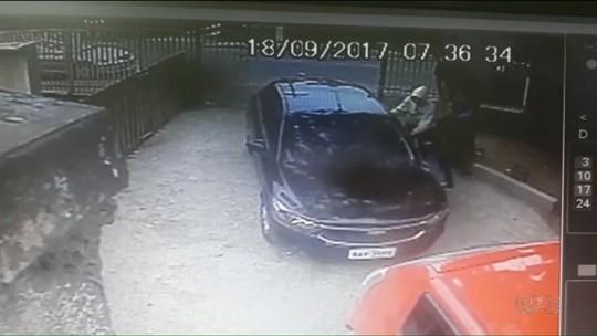 Professora sofre tentativa de assalto ao chegar em escola de Colombo; VÍDEO