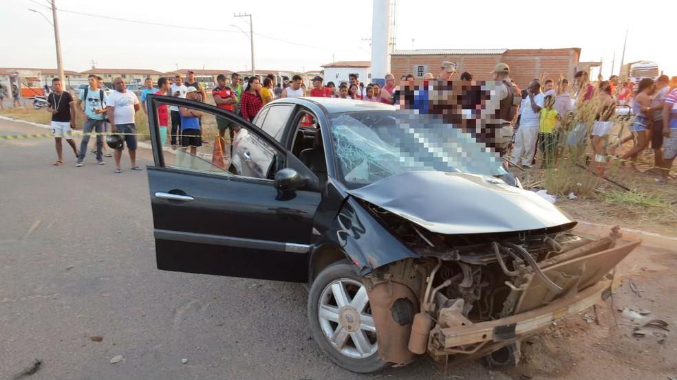 Acidente em Luís Eduardo Magalhães deixa um morto e cinco feridos — Foto: Edivaldo Braga/Blogbraga