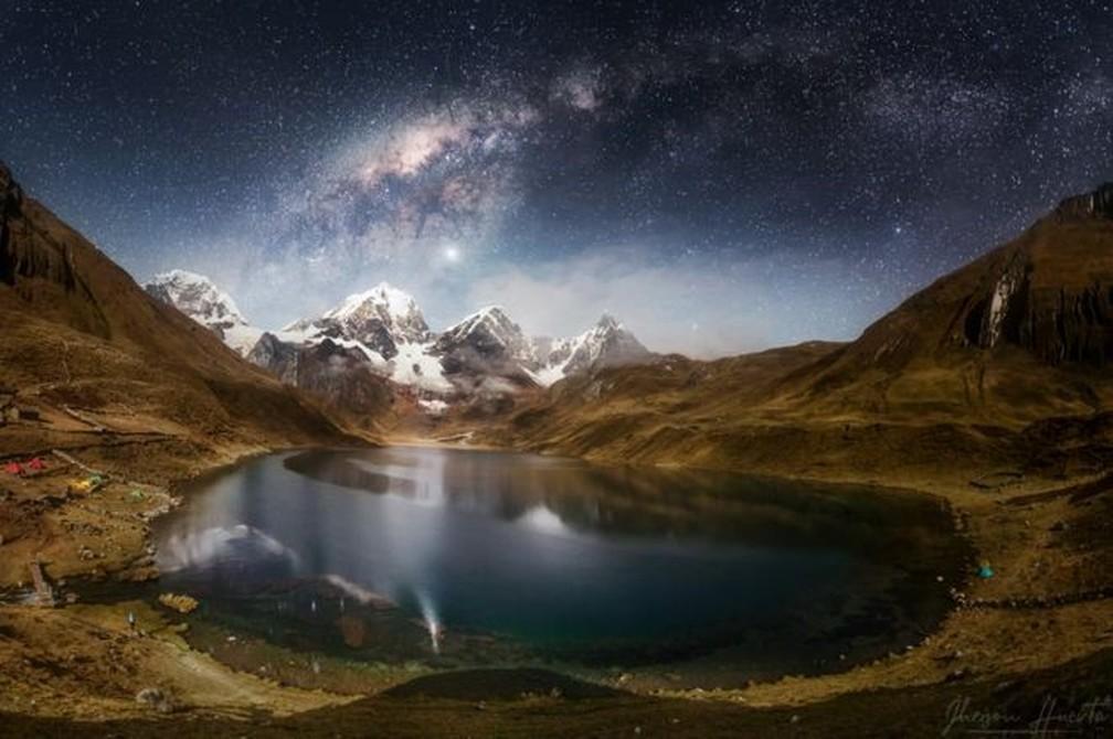 Laguna Carhuacocha, na cordilheira Huayhuash, na região de Huánuco, no Peru. — Foto: Jheison Huerta/BBC