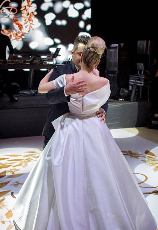 A valsa dos noivos Naiara Azevedo e Rafael Cabral (Foto: Reprodução/Instagram)