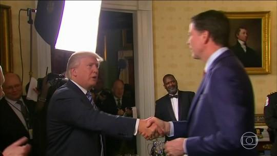 Congresso dos EUA recebe registros de ex-diretor do FBI sobre Trump