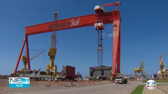 Estaleiro Atlântico Sul reduz atividades quase a zero e empregados são demitidos