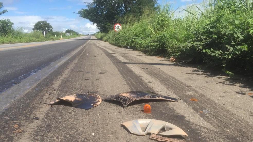 Moradores da região falam que acidentes são comuns no trecho — Foto: Isaac Macêdo