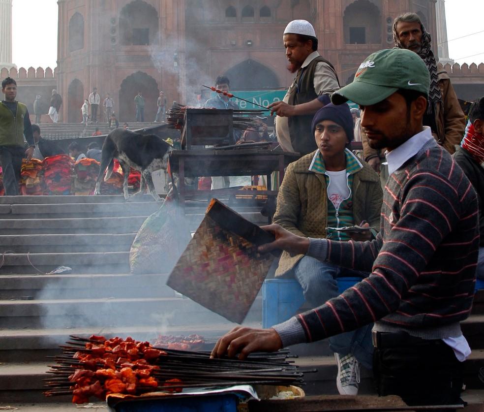 Ao contrário do que muitos pensam, a maioria dos indianos consome carne (Foto: Reuters/B Mathur)