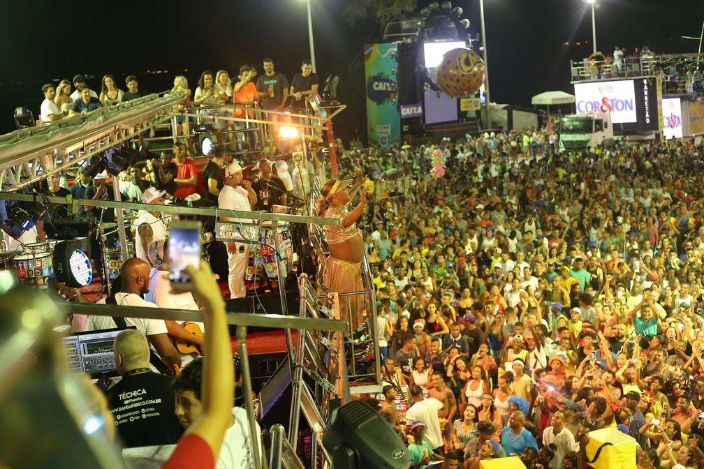 Multidão acompanha Márcio Victor no circuito Dodô (Barra-Ondina) (Foto: Júnior Improta/Ag Haack)
