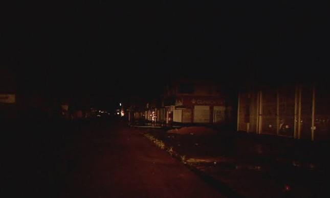 Rua escura no Amapá, norte do país