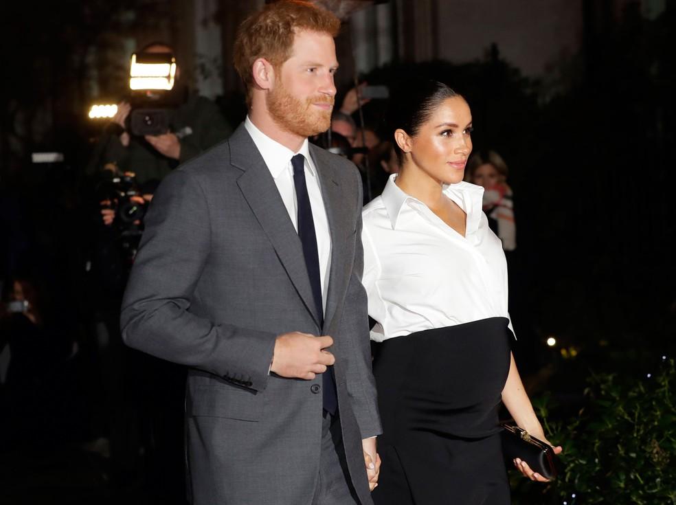 Príncipe Harry e Meghan Markle, participaram do evento da entrega do prêmio Endeavor Fund, em Londres, em 7 de fevereiro  — Foto: Kirsty Wigglesworth/ AP