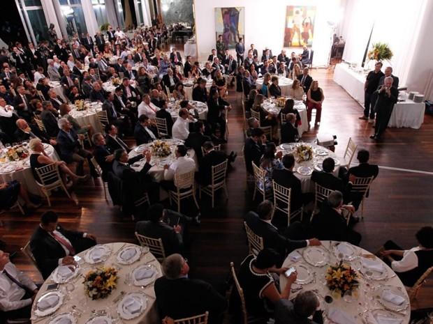 O presidente Michel Temer, no Palácio da Alvorada, ao fazer discurso em um jantar oferecido a deputados  (Foto: Reprodução/Twitter do Palácio do Planalto)