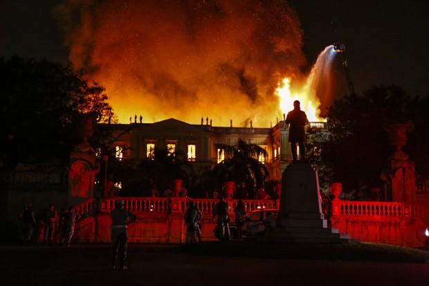 RI - Rio de Janeiro. ( RJ) - 02/09/2018 - Local - Museu Nacional na Quinta da Boa Vista pega fogo . Foto: Uanderson Fernandes / Agência O Globo (Foto: Agência O Globo)