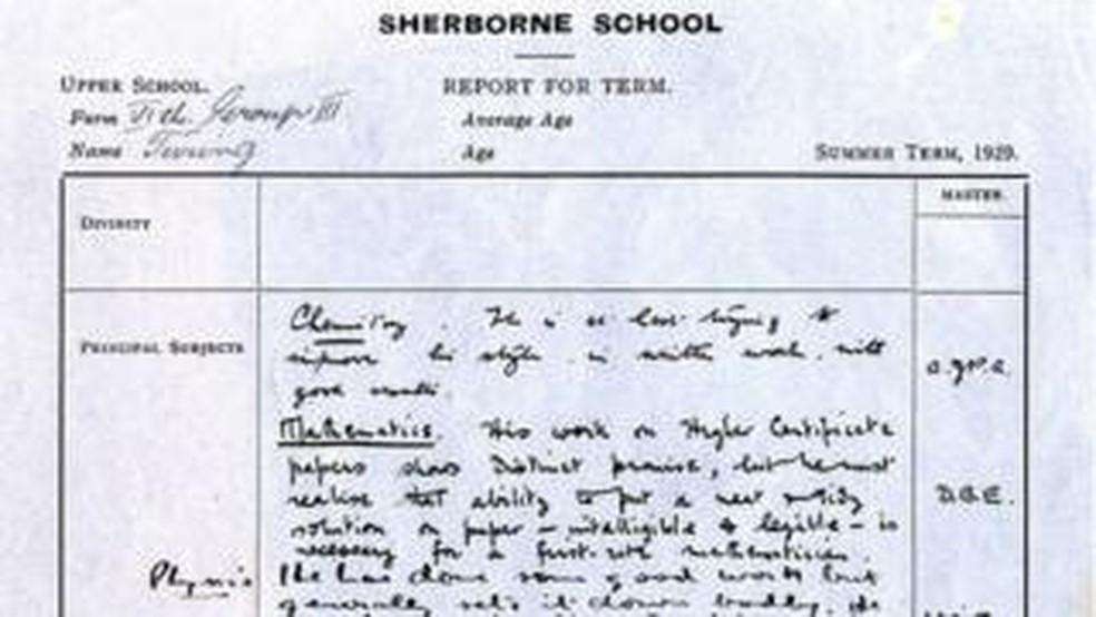 Avaliação escolar de Turing de 1929 revela um aluno mediano ou até mesmo ruim  (Foto: Universidade de Cambridge)