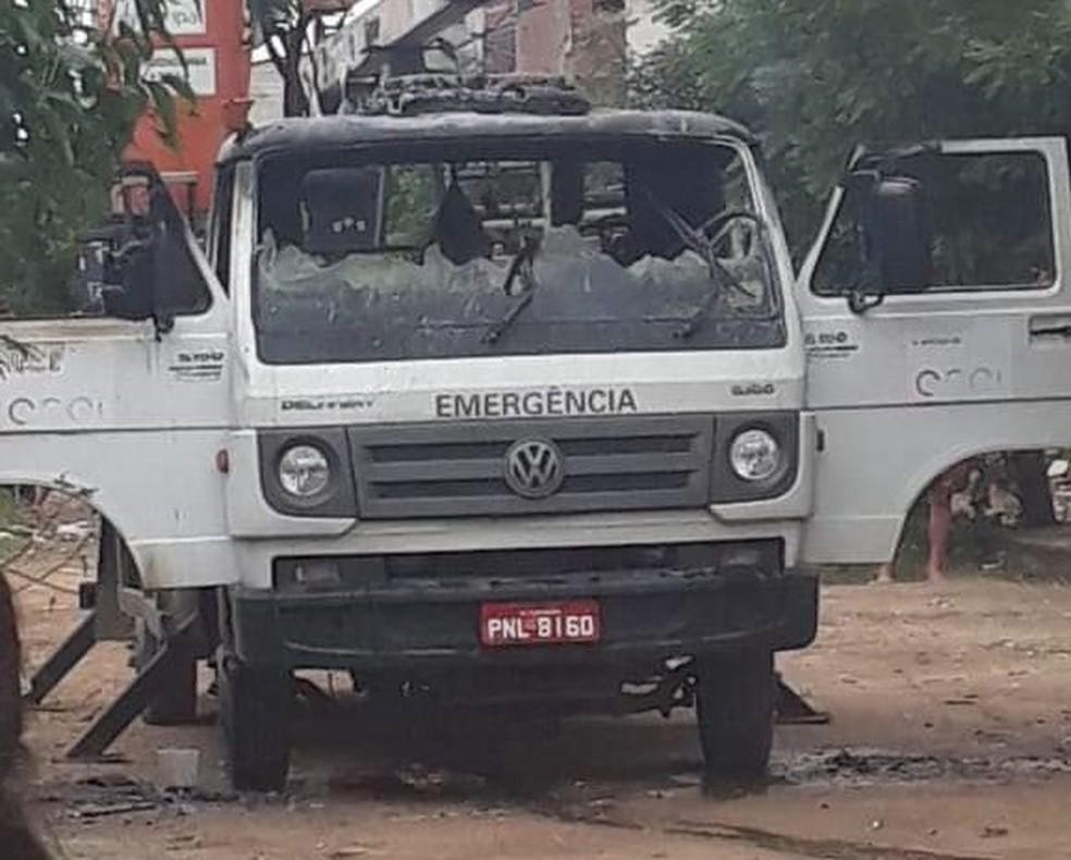 Veículo da Enel foi destruído em ataque em Fortaleza — Foto: Arquivo pessoal