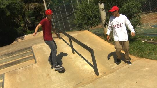 Rony Gomes ensina a descer rampa para iniciantes no skate
