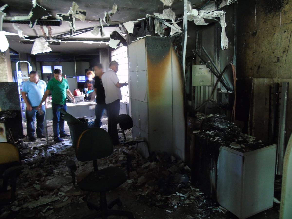 Funtrab faz mutirão para atender trabalhadores após incêndio que destruiu prédio do órgão em MS
